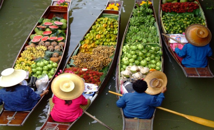 """Floating Market"""