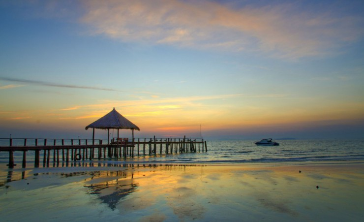 """Sihanouk Beach Sunset"""
