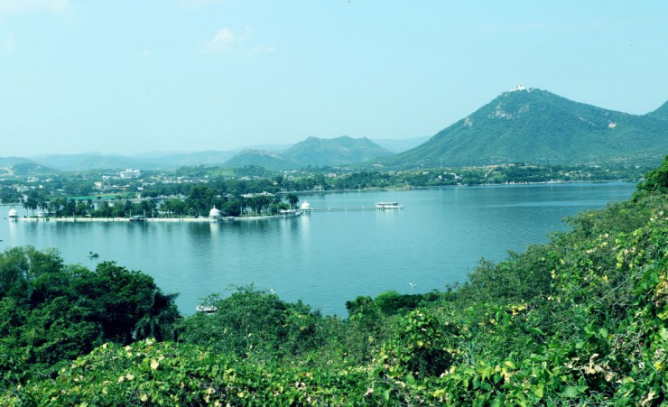 """Fateh Sagar Lake"""