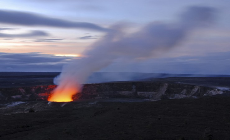 """Kilauea Crater At Volcanoes National Park   Kona"""