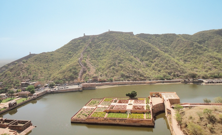 """Mahota Lake, Amber Fort"""
