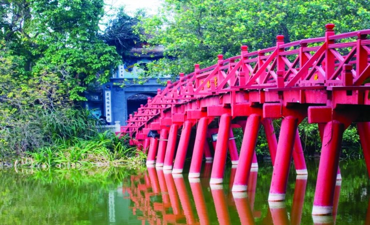 """The Huc Bridge Hanoi"""