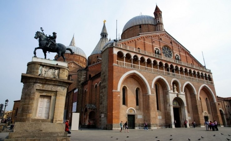 """Basilica Of Saint Anthony Padua"""