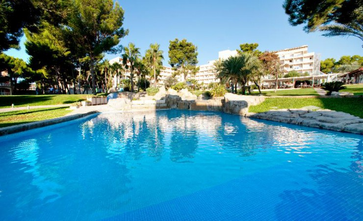 Grupotel gran vista and spa can picafort hotels in - Uk hotels with outdoor swimming pools ...