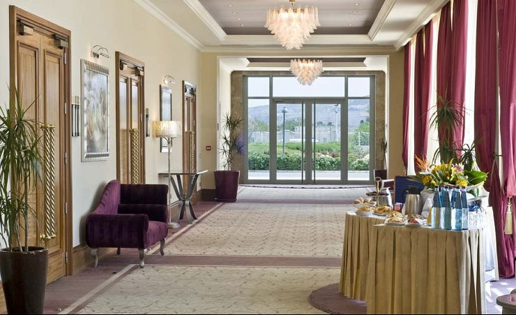 Hotel Foyer Malta : Radisson blu resort and spa golden sands bay