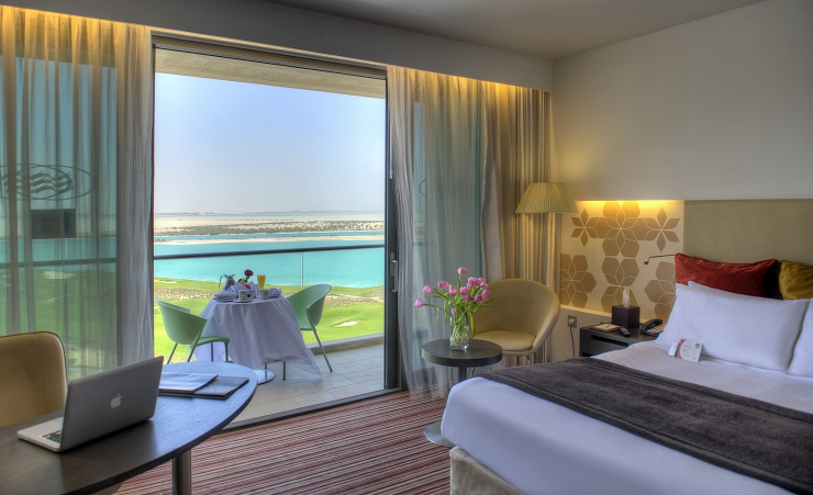 Crowne Plaza Guestroom With Sea View