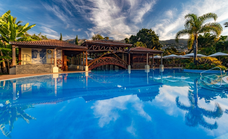 Quinta jardins do lago funchal hotels in madeira - Uk hotels with outdoor swimming pools ...