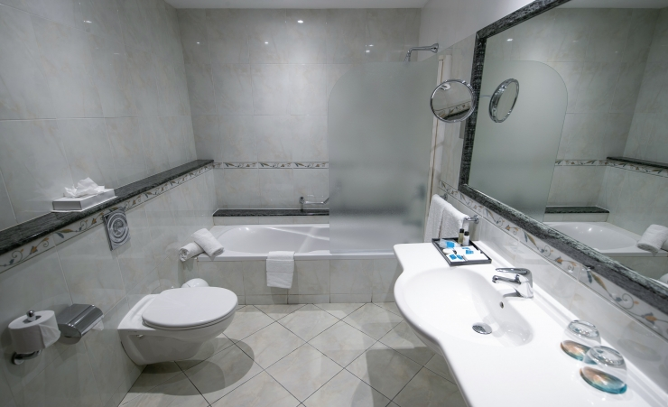 Promo Room Bathroom