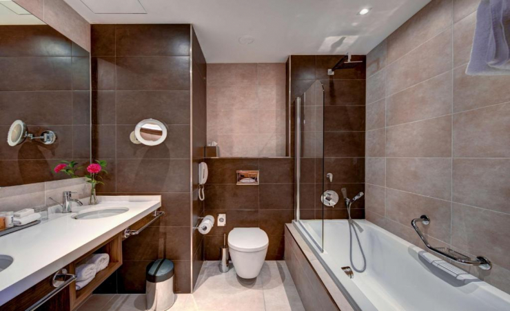 Premium Seaview Bathroom