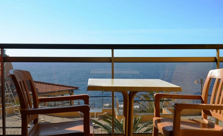 Studio Seaview And Balcony Single 2