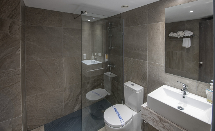 Standard Twin Bathroom 1
