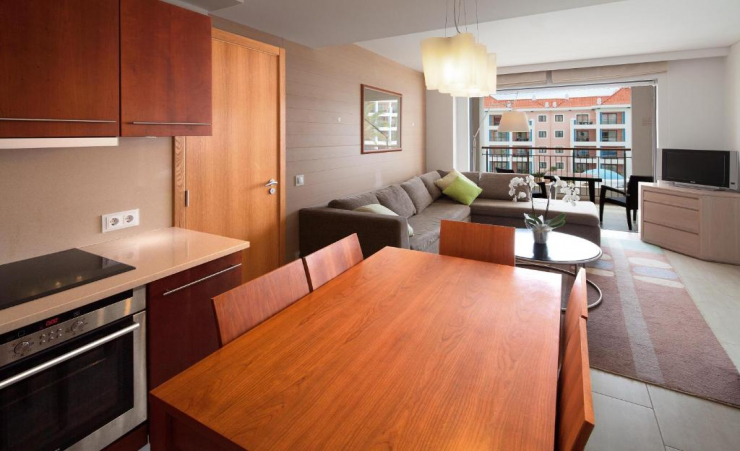 2 Bedroom Apartment Dining Table