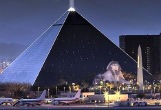Hotel Luxor and Casino